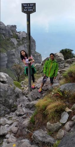 Mariel & Anita Illusorio on Fountain Ledge, after hiking up the India Venster, Table Mountain.